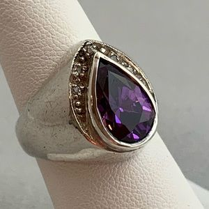 Jewelry - Sterling Silver & Amethyst Ring